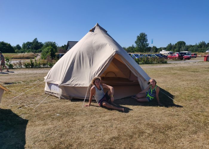 Nieuwe tenten op zeilkamp bij DeZeilschool